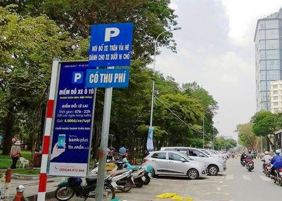 HCM City's parking fee plan a disappointment