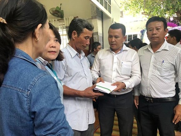 Flood-hit families in Khanh Hoa province supported VND 750mln from Hung Thinh Co