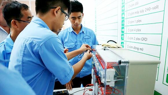 Nhu cầu sử dụng các lao động có tay nghề cao cho ngành công nghiệp điện được dự báo tiếp tục tăng nhanh trong bối cảnh Cách mạng công nghiệp 4.0 diễn ra mạnh mẽ
