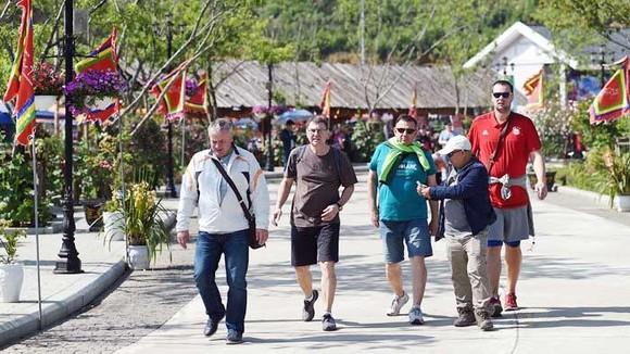 Nếu không cải thiện sản phẩm và dịch vụ, du lịch Việt Nam sẽ khó đạt mục tiêu đề ra ảnh 2