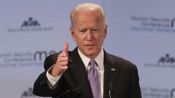 Thăm dò bầu cử Mỹ 2020: Ứng viên Joe Biden tạm vượt Tổng thống Donald Trump