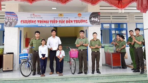 Chiến dịch Tình nguyện Hành Quân Xanh tỉnh Bình Thuận ảnh 7