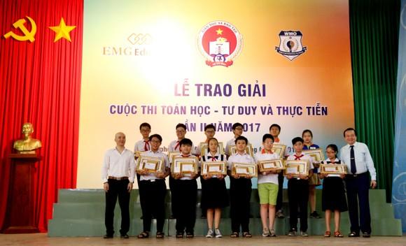 117 học sinh được trao giải cuộc thi Toán học - Tư duy và Thực tiễn lần 2 ảnh 1