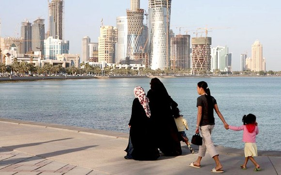 Sống ở Qatar