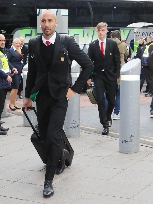 Mất 10 trụ cột, Man United mang 8 cầu thủ Học viện đương đầu PSG ảnh 3