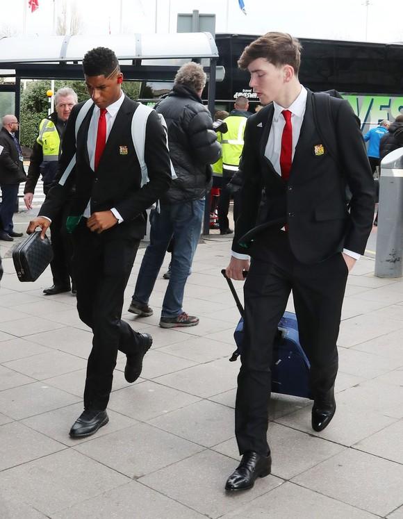 Mất 10 trụ cột, Man United mang 8 cầu thủ Học viện đương đầu PSG ảnh 1