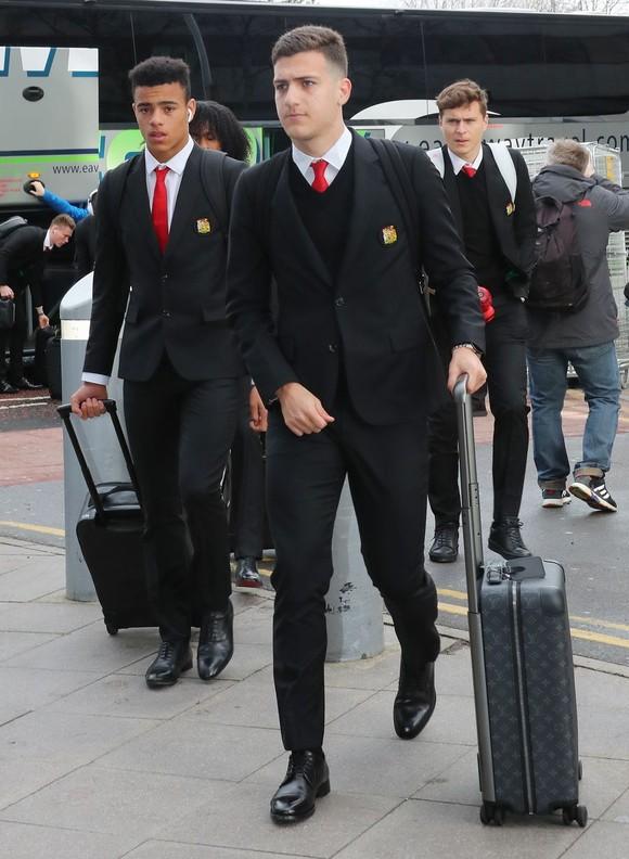 Mất 10 trụ cột, Man United mang 8 cầu thủ Học viện đương đầu PSG ảnh 4