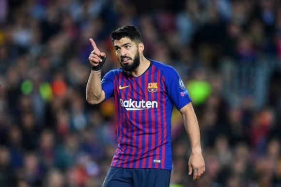 Barca thua, Luis Suarez bị nghi ngờ vì… cố tình trốn việc