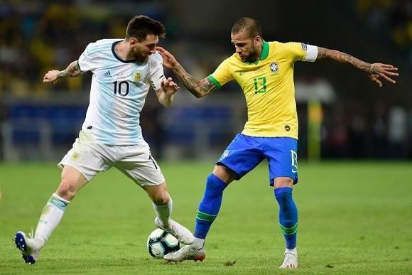 """Brazil làm thế nào để vô hiệu hóa """"người ngoài hành tinh"""" Messi ảnh 2"""
