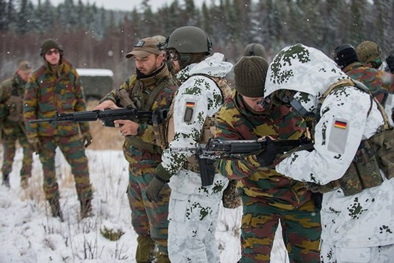 Quân đội Đức và Bỉ trong cuộc tập trận của NATO tại Na Uy hôm 30-10