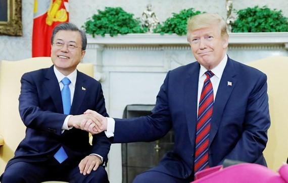 Cam kết giải quyết hòa bình vấn đề hạt nhân