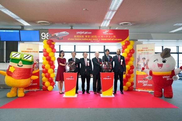 (ĐTTCO) – Tiếp tục mở rộng mạng bay đến Đông Bắc Á, Vietjet hôm nay khai trương đường bay Tp.HCM-Tokyo (Narita).