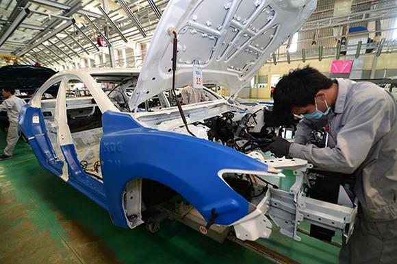 Bộ Công Thương đề xuất chuyển từ tiền kiểm sang hậu kiểm nhiều quy định về sản xuất, lắp ráp ô tô.