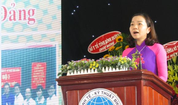 Tiến sĩ Lê Bích Phương, Hiệu trưởng BETU phát biểu tại buổi lễ