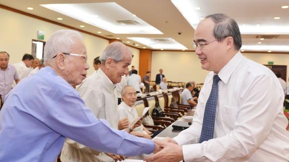 Bí thư Thành ủy TPHCM: Triển khai quyết liệt, đồng bộ và sáng tạo cơ chế, chính sách đặc thù vì cả nước ảnh 1