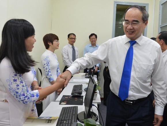 Bí thư Thành ủy TPHCM Nguyễn Thiện Nhân: Xây dựng đô thị thông minh để 'đoàn tàu TPHCM' tăng tốc ảnh 4