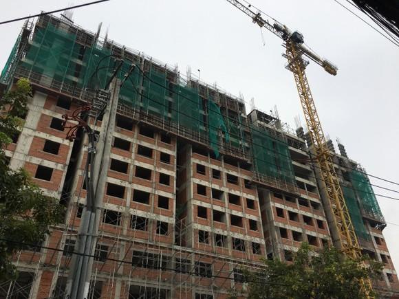 Rơi từ tầng 10 công trình Saigon Homes, 2 công nhân tử vong ảnh 2