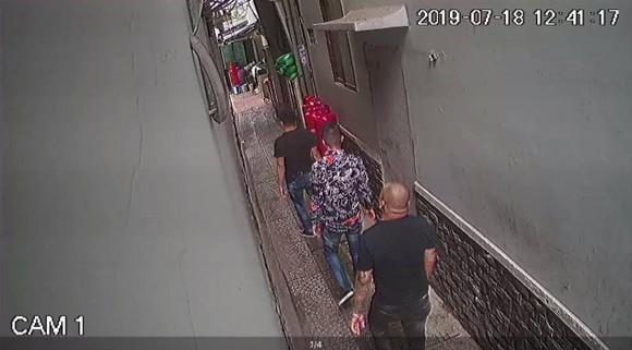 Vụ quán phở Hoà bị 'khủng bố' bằng mắm tôm, sơn…: Bắt em rể chủ quán ảnh 1