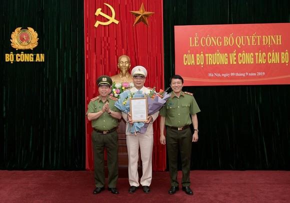 Thứ trưởng Bùi Văn Nam; Thứ trưởng Lương Tam Quang và Chánh Văn phòng Bộ Công an Tô Ân Xô tại buổi Lễ