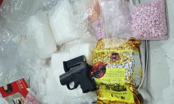 Ma túy và súng đạn của các đối tượng cơ quan công an thu giữ