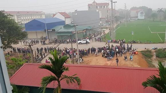 Xe khách đâm vào đoàn người đưa tang, 7 người tử vong tại Vĩnh Phúc ảnh 2