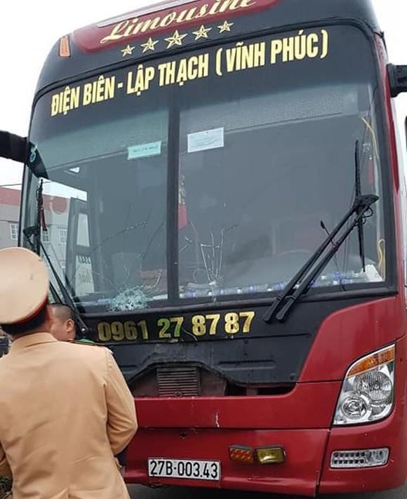 Xe khách đâm vào đoàn người đưa tang, 7 người tử vong tại Vĩnh Phúc ảnh 1