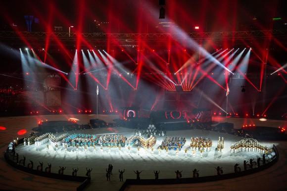 Lễ bế mạc Asiad 2018: Ngập tràn sắc màu về một châu Á đoàn kết và thống nhất ảnh 12