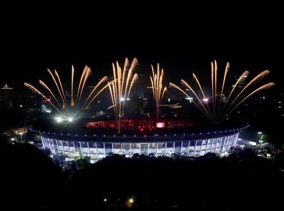 Lễ bế mạc Asiad 2018: Ngập tràn sắc màu về một châu Á đoàn kết và thống nhất ảnh 15