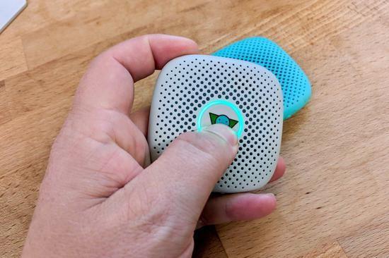 Relay 是一款兒童智能手機,誕生於 2018 年,同年11月獲得 KidSAFE Seal Program 認證,獲得年度設計大獎。