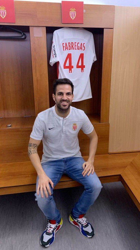 """Fabregas gia nhập """"biệt đội già gân"""" để """"giải cứu binh nhì"""" Henry ảnh 2"""