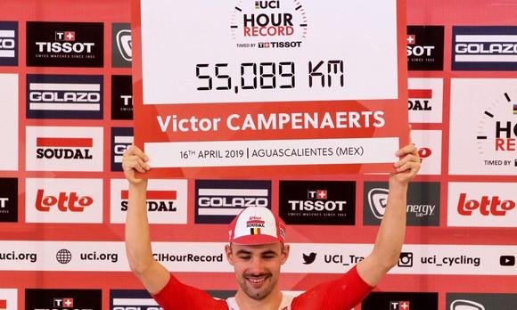 Victor Campenaerts lập KLTG đua xe tốc độ 1 tiếng đồng hồ