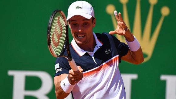 """Monte Carlo Masters: Hủy diệt đối thủ 6-1, 6-1, """"Vua sân đất nện"""" Nadal bắt đầu """"ngự giá thân chinh"""" ảnh 1"""