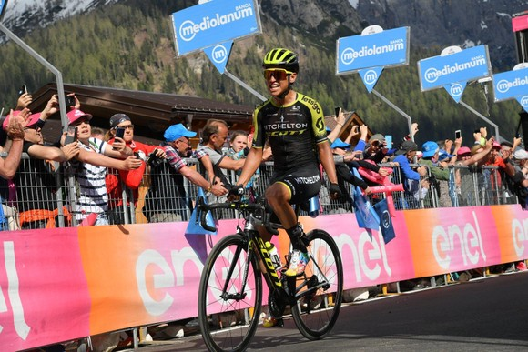 """Giro d'Italia: Chaves """"can trường"""" quay trở lại đầy ấn tượng ảnh 2"""
