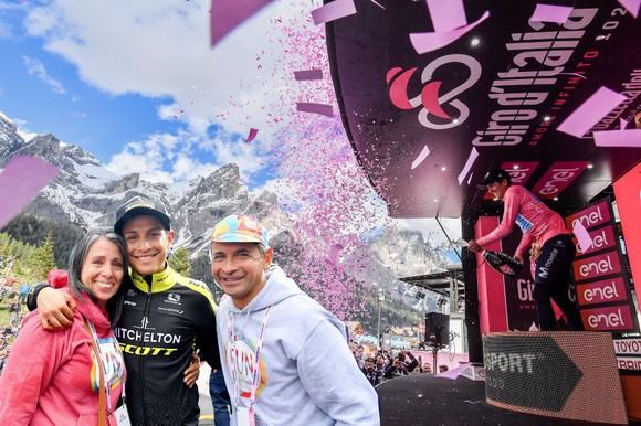 """Giro d'Italia: Chaves """"can trường"""" quay trở lại đầy ấn tượng ảnh 3"""
