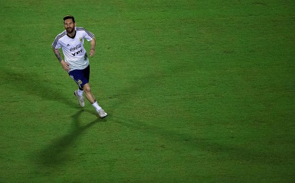 "Argentina - Colombia: Ông Scaloni sẽ chơi với ""mũi đinh ba"" Messi - Aguero - Di Maria ảnh 1"