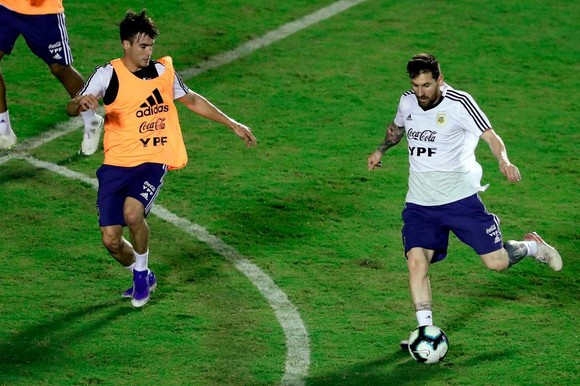 "Argentina - Colombia: Ông Scaloni sẽ chơi với ""mũi đinh ba"" Messi - Aguero - Di Maria ảnh 3"