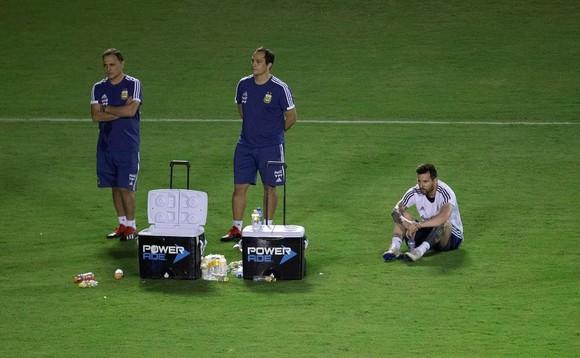 "Argentina - Colombia: Ông Scaloni sẽ chơi với ""mũi đinh ba"" Messi - Aguero - Di Maria ảnh 4"