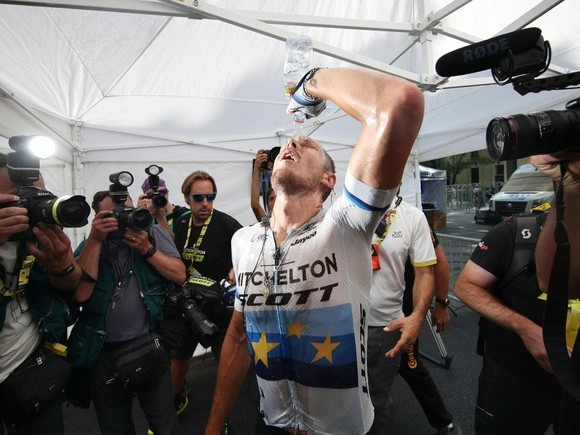 Tour de France: Trentin thắng chặng 17, Alaphilippe vẫn an toàn trước khi lao vào dãy Alpes ảnh 1