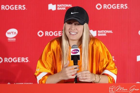 Rogers Cup: Nội chiến Canada - Công chúa lọ lem đấu với Nữ hoàng Instagram ảnh 9
