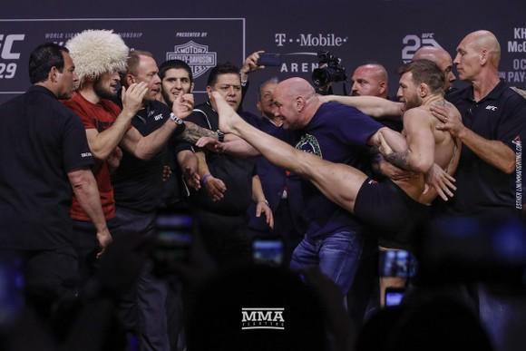 UFC: Khabib sẵn sàng đi tù để giải quyết ân oán với McGregor ảnh 2