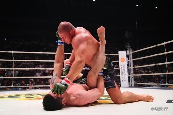 MMA: Những võ sĩ bất bại nhất đẳng - Khabib là Vua, người Nga chiếm đa số ảnh 2
