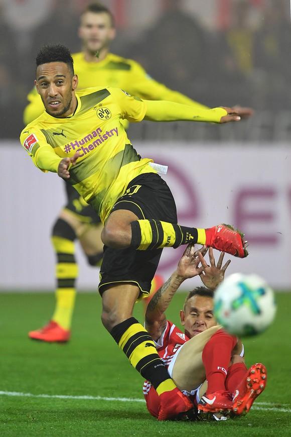 Aubameyang không biết vì sao bị Dortmund treo giò ảnh 2