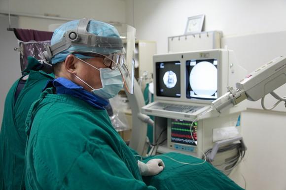 介入栓塞手術。