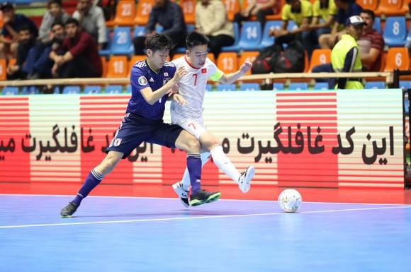 Thua ngược trước Nhật Bản, U20 futsal Việt Nam gặp Indonesia ở Tứ kết giải châu Á ảnh 1