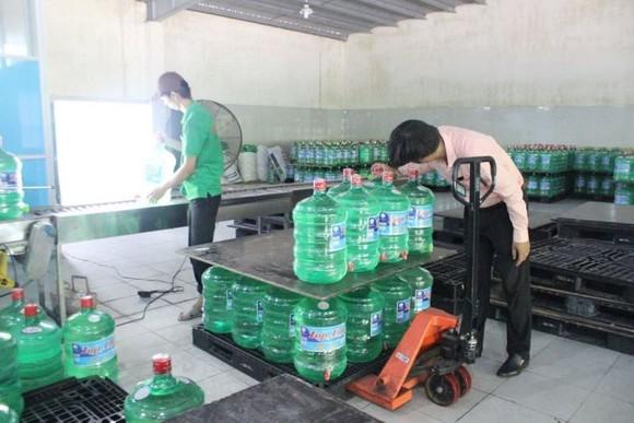 """Đà Nẵng: Cúp nước liên tục, nước đóng chai """"lên ngôi"""" ảnh 4"""
