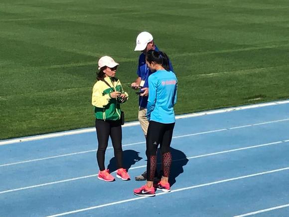 """Cô gái vàng Lê Tú Chinh và """"ngày đầu tiên đi học""""… ảnh 2"""