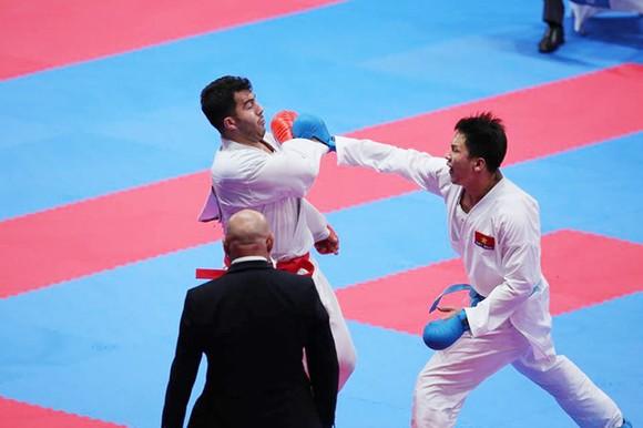 Karatedo: Quả cảm vào chung kết, Nguyễn Minh Phụng đoạt HCB ảnh 2