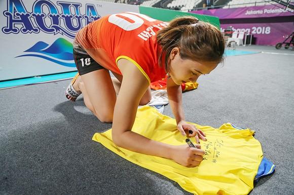 Bóng chuyền nữ: Việt Nam thắng thuyết phục Indonesia ngay tại Jakarta ảnh 8
