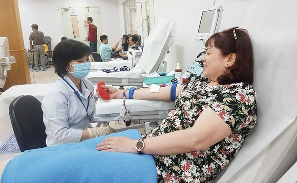 Người dân hiến máu