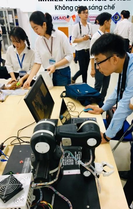 Ra mắt Không gian đổi mới sáng tạo cho sinh viên ĐBSCL ảnh 3